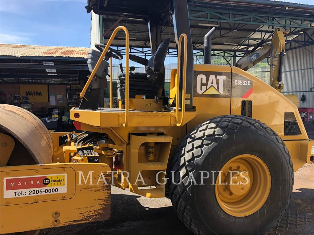 Caterpillar CS-533E, Single drum rollers, Construction
