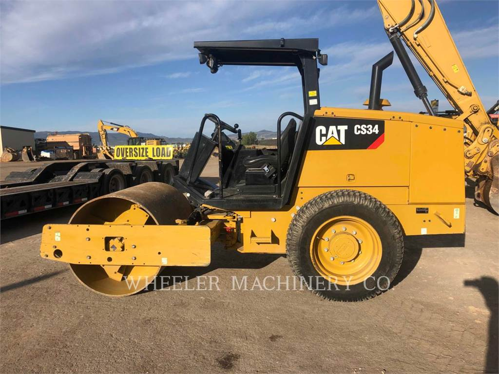 Caterpillar CS34、单轮压路机、建筑设备