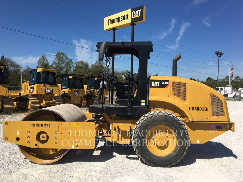 Caterpillar CS44, Compactors, Construction