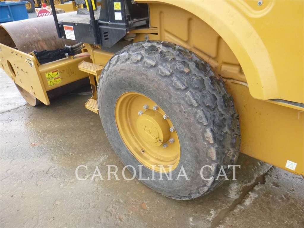 Caterpillar CS44B, Twin drum rollers, Construction