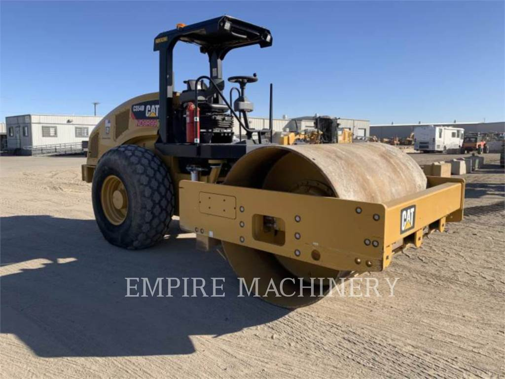 Caterpillar CS54B, Single drum rollers, Construction