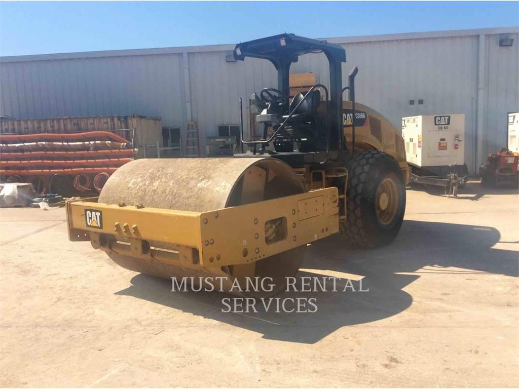 Caterpillar CS56, Asphalt pavers, Construction