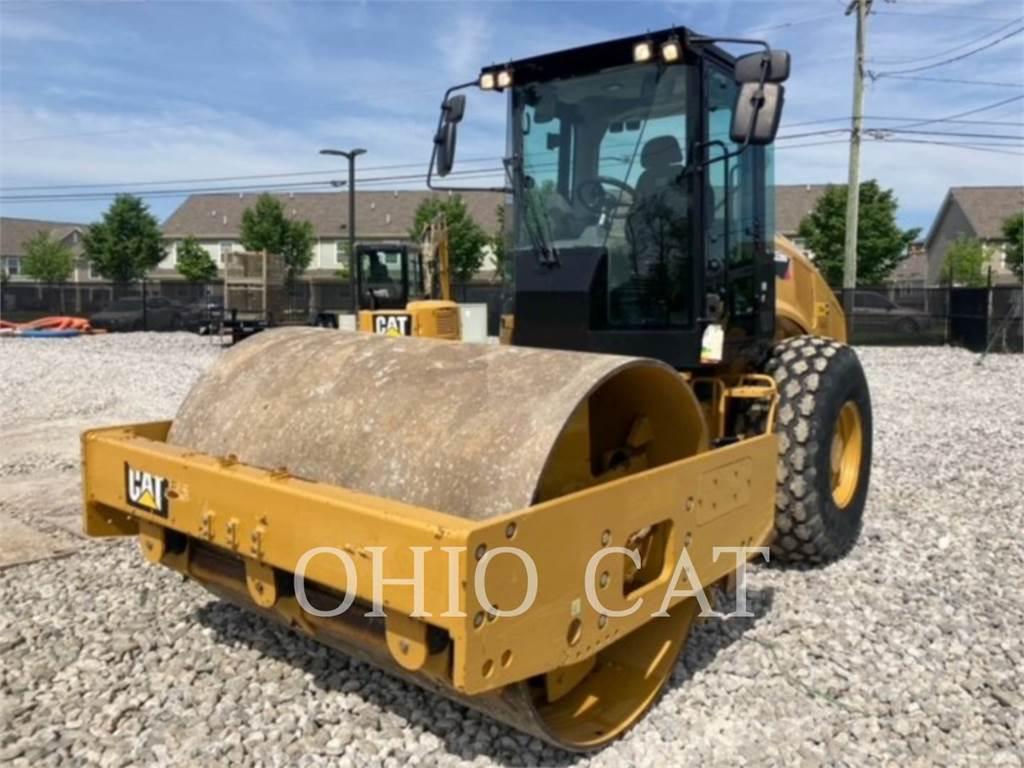 Caterpillar CS56B, combination rollers, Construction