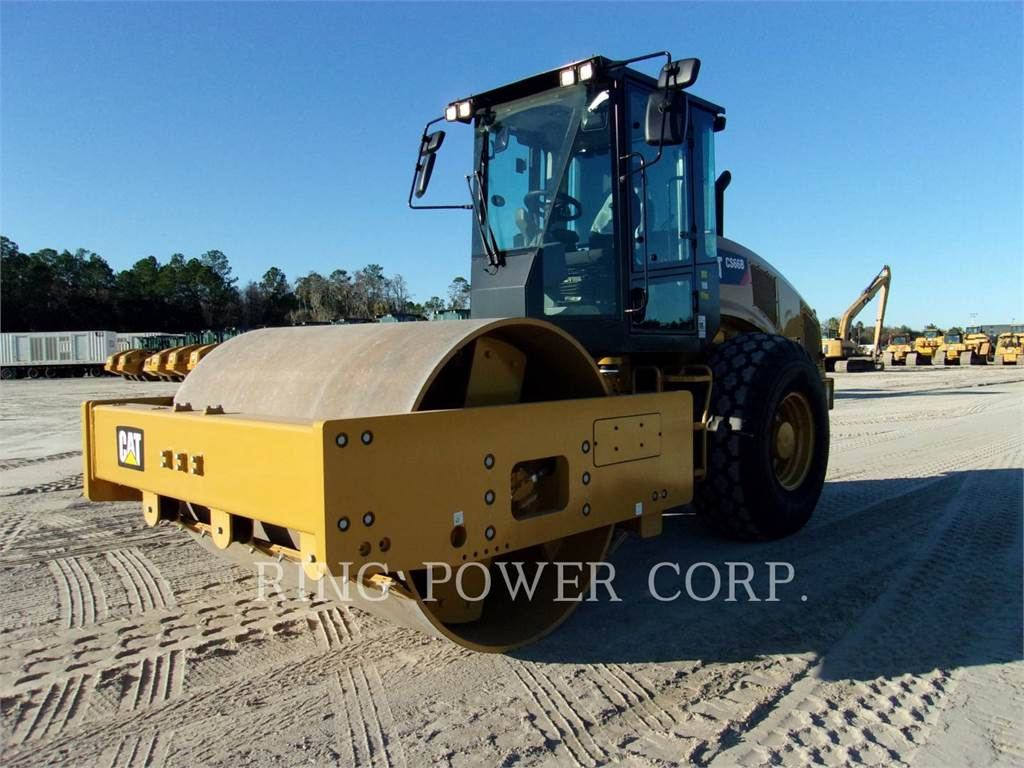Caterpillar CS66B, Single drum rollers, Construction