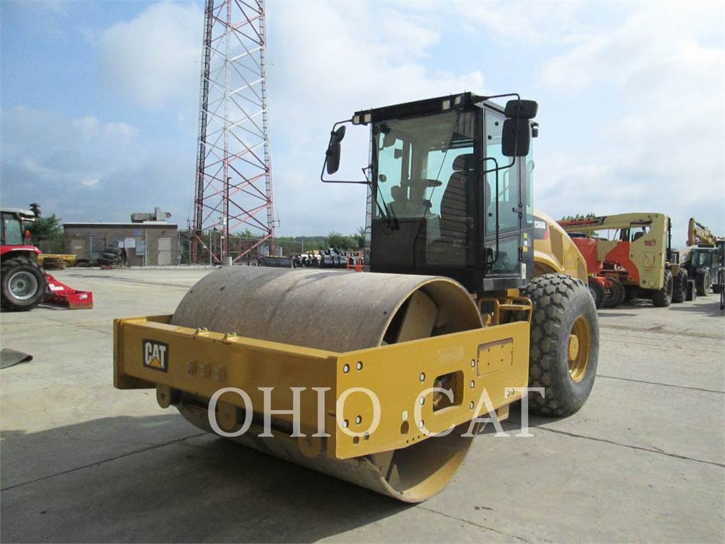 Caterpillar CS66B, role combinate, Constructii