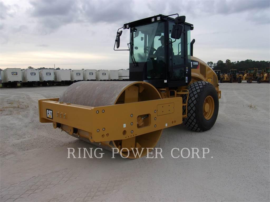 Caterpillar CS66BCAB, Twin drum rollers, Construction