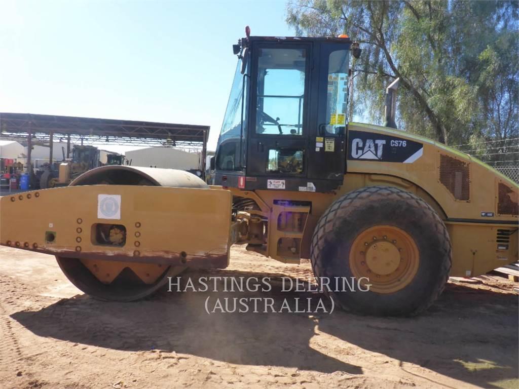 Caterpillar CS76、单轮压路机、建筑设备