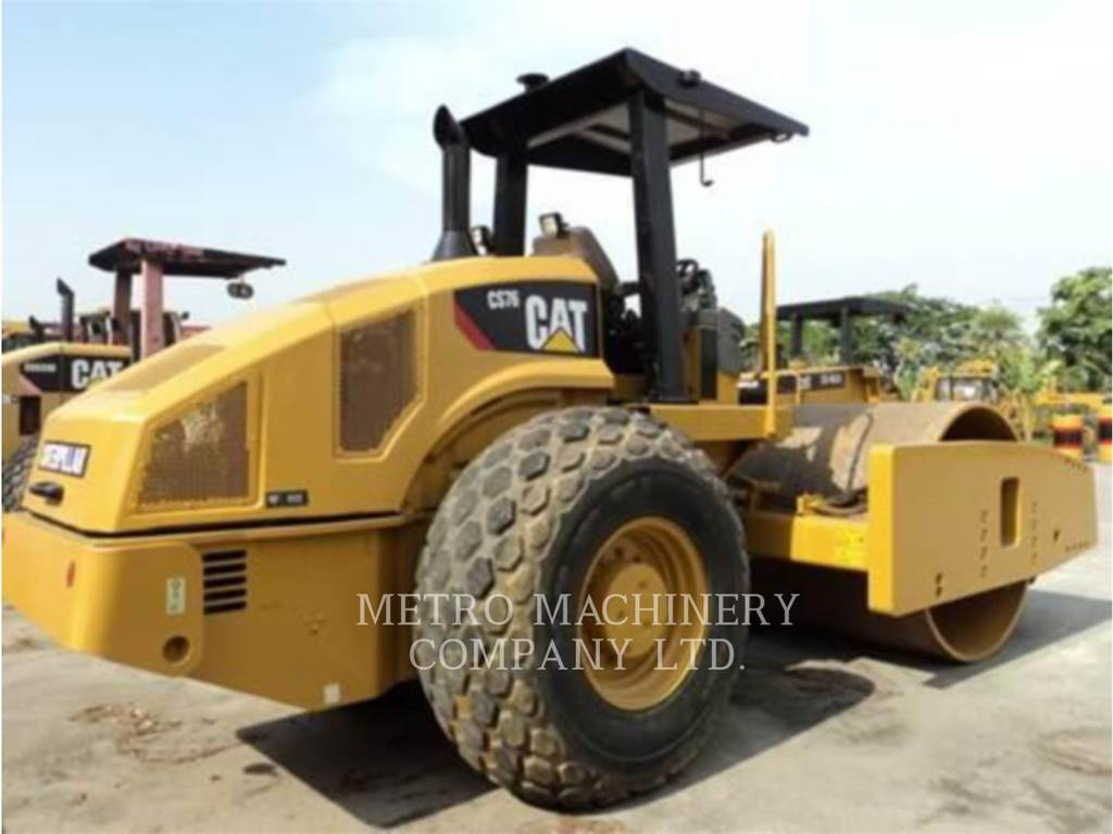 Caterpillar CS76, Single drum rollers, Construction