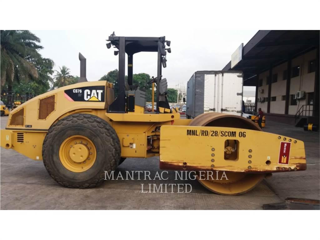 Caterpillar CS76XT, Kompaktory, Sprzęt budowlany