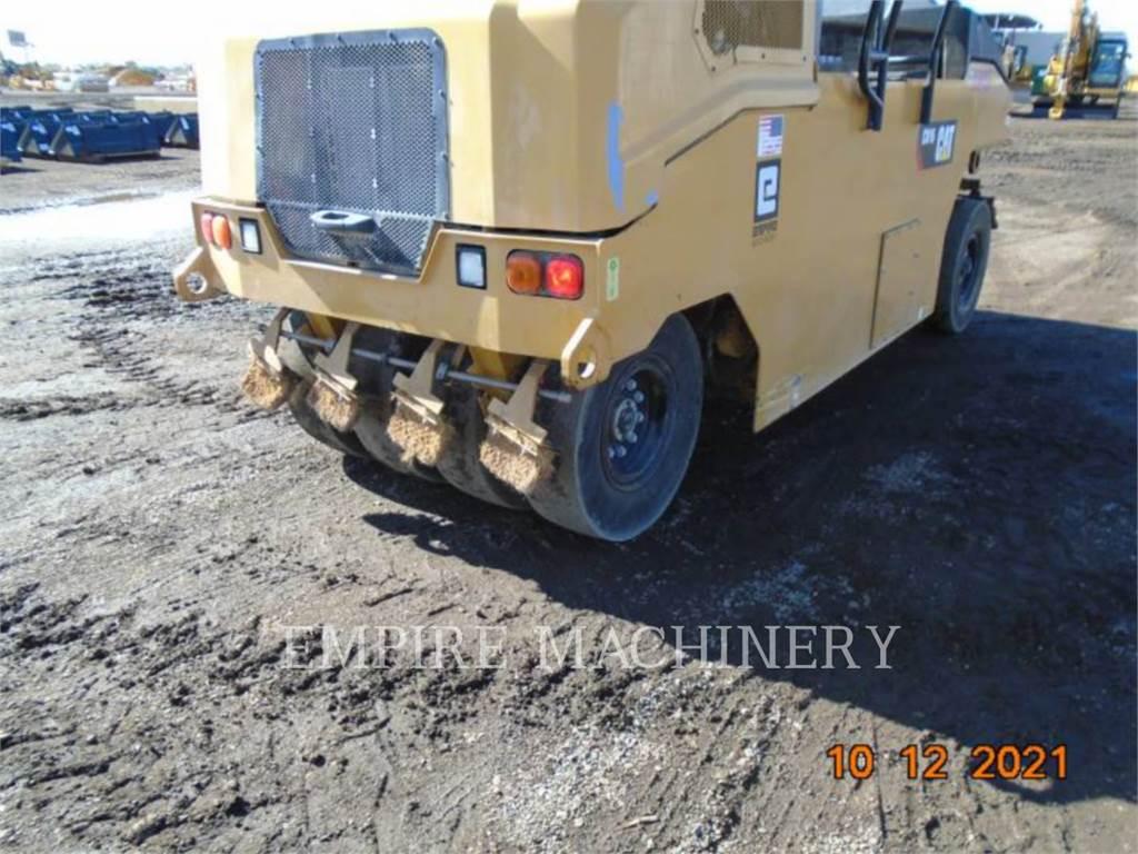 Caterpillar CW16、空気式タイヤ・コンパクタ、建設