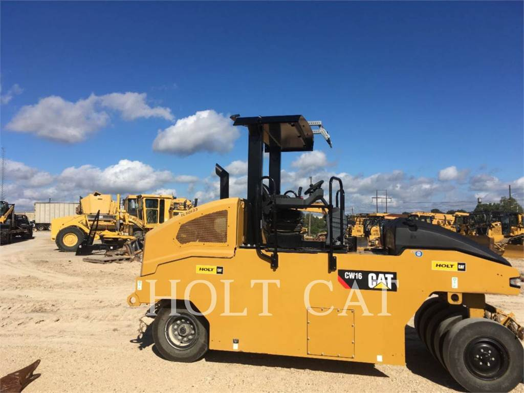 Caterpillar CW16, Single drum rollers, Construction
