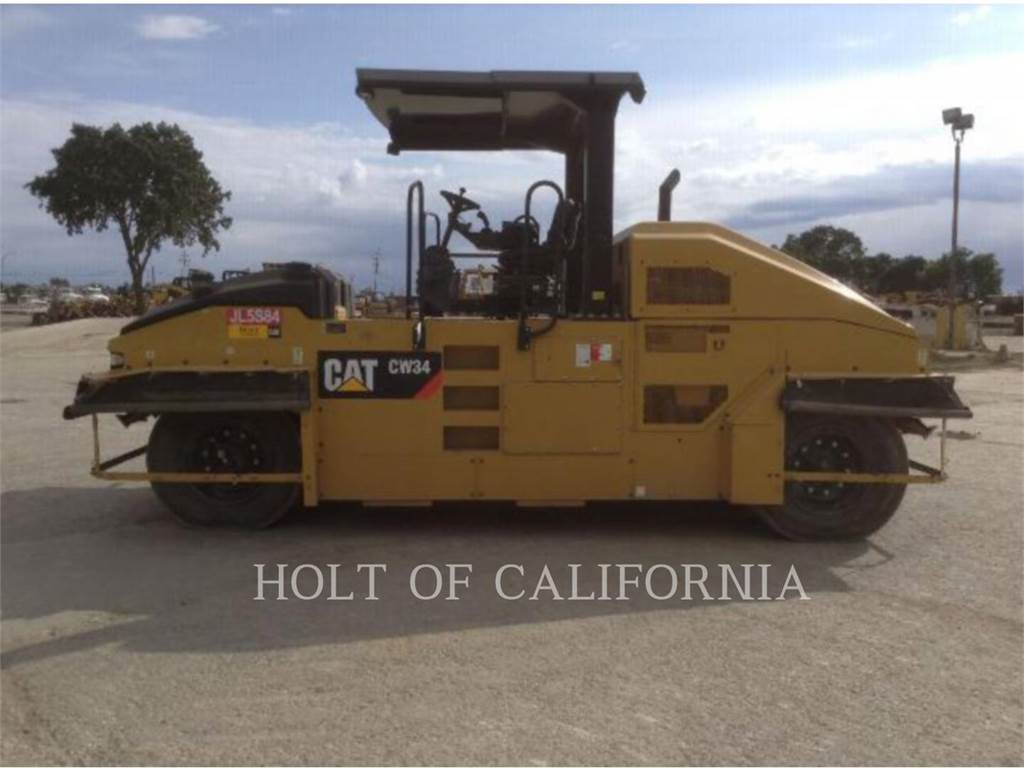 Caterpillar CW34, Pavatoare asfalt, Constructii