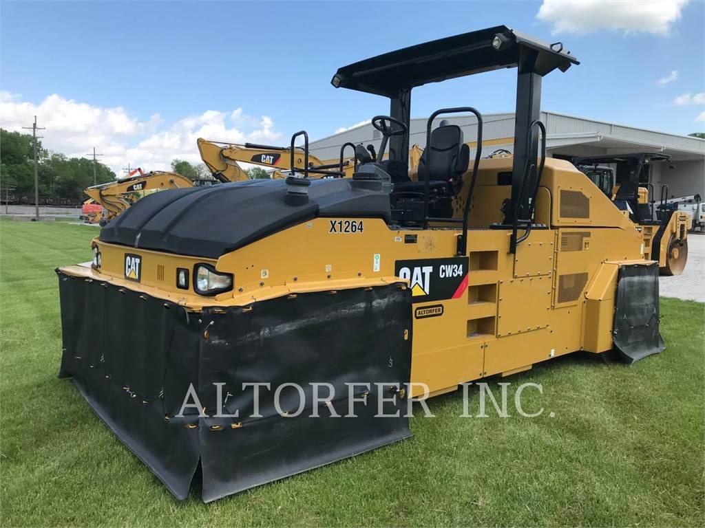 Caterpillar CW34, Asphalt pavers, Construction