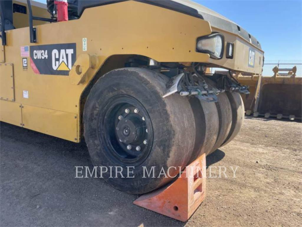 Caterpillar CW34, pneumatic tired compactors, Construction