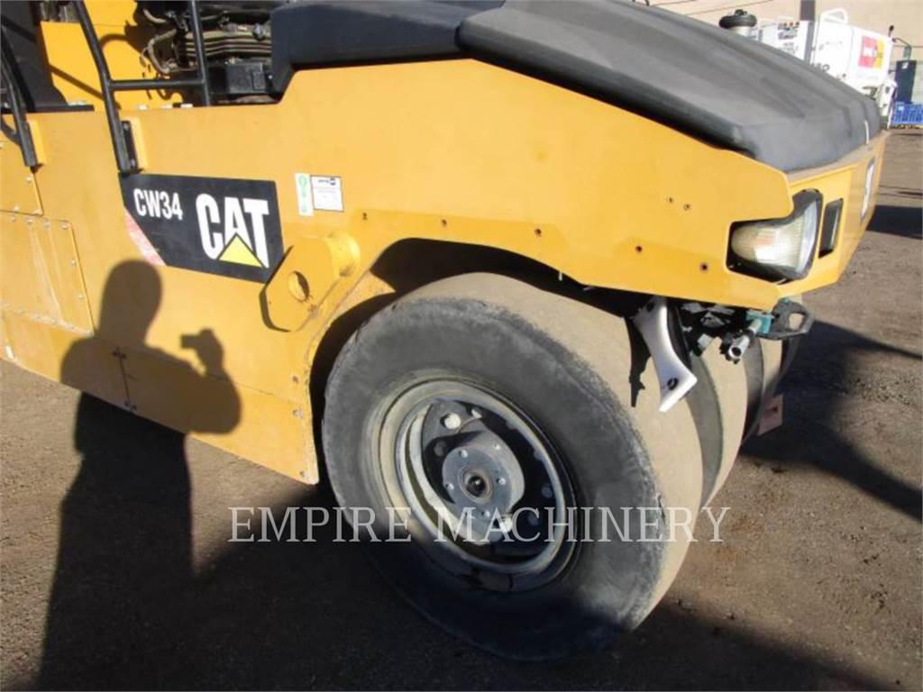 Caterpillar CW34、空気式タイヤ・コンパクタ、建設