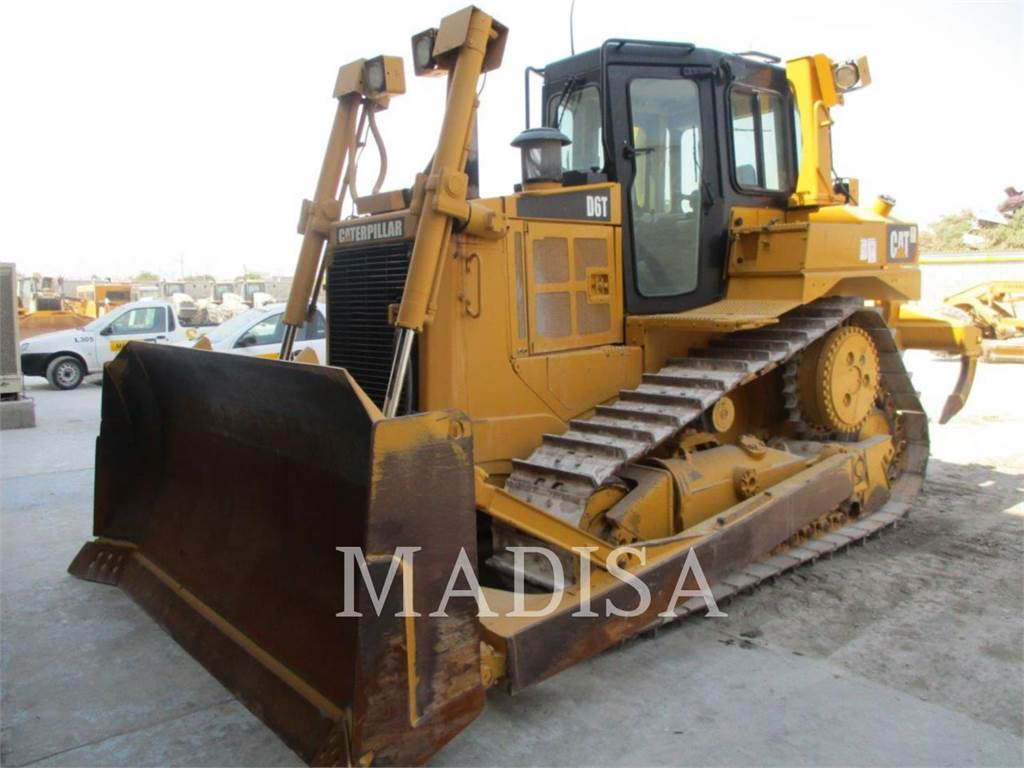 Caterpillar D 6 T, Bulldozers, Construcción