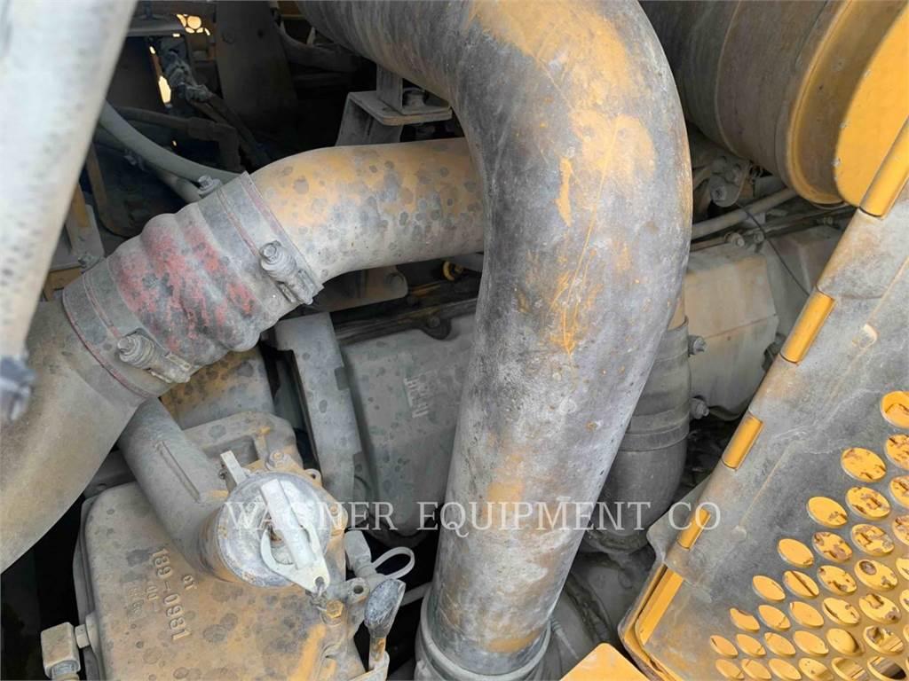 Caterpillar D10T, Dozers, Construction