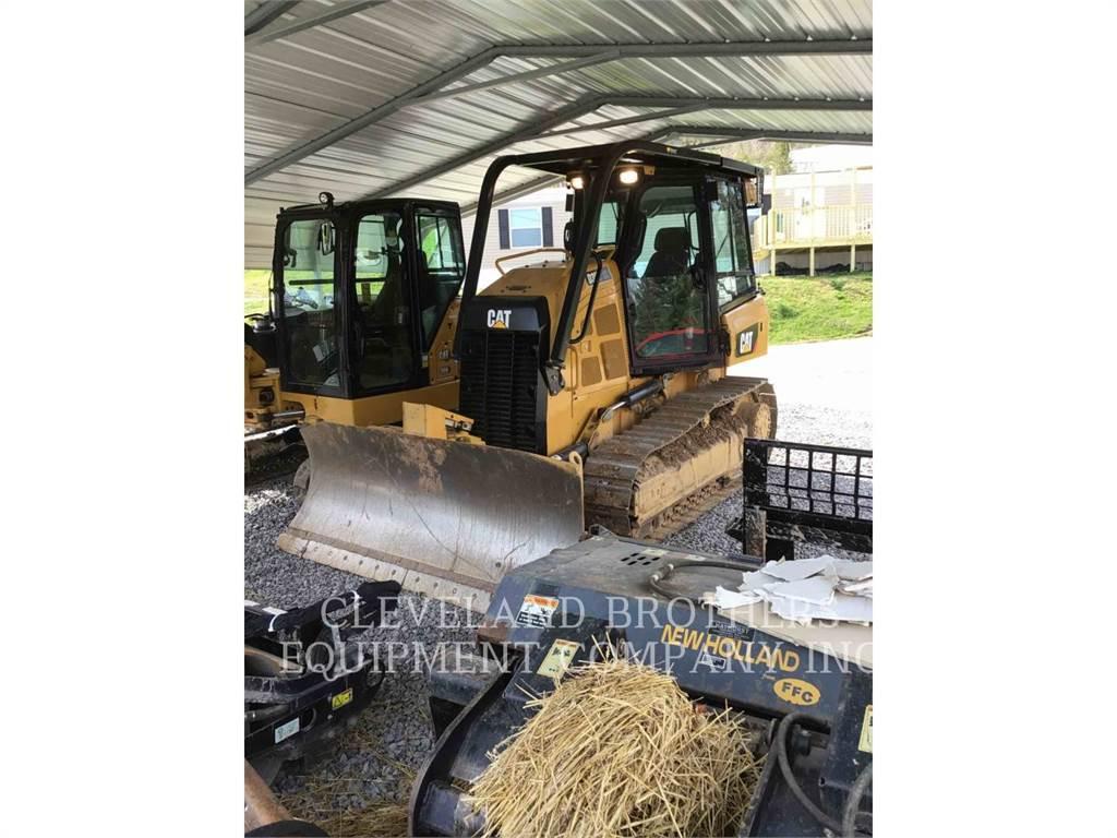 Caterpillar D3K2XL, Crawler dozers, Construction