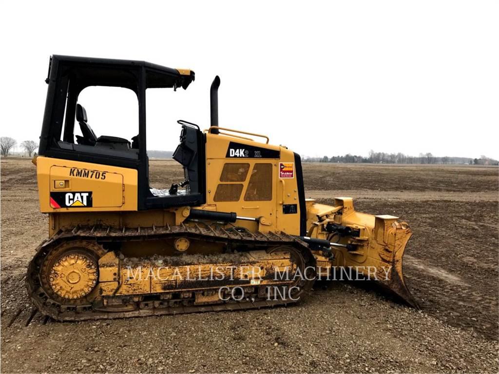 Caterpillar D4K2XL, Bulldozers, Construcción