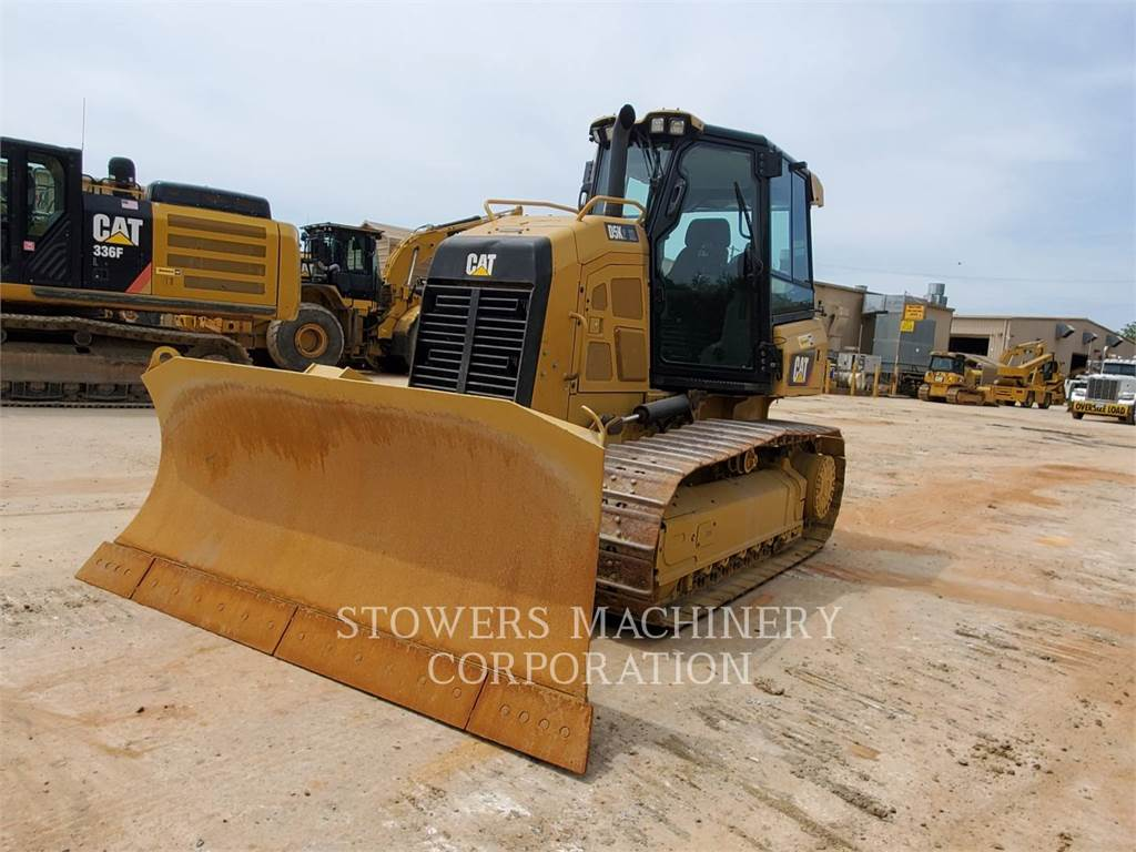 Caterpillar D5K XL, Crawler dozers, Construction