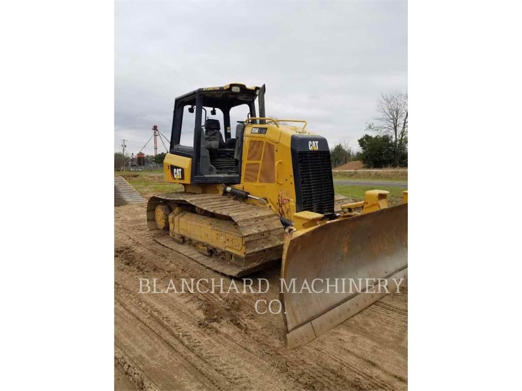 Caterpillar D5K2, Bulldozers, Construcción
