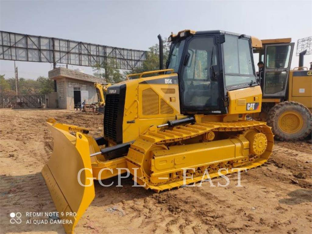 Caterpillar D5KXL, Buldozere, Constructii