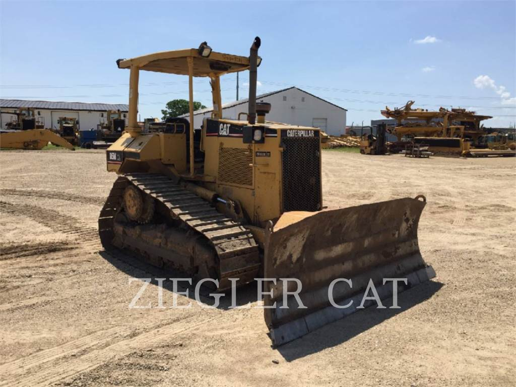 Caterpillar D5MXL, Spycharki, Sprzęt budowlany