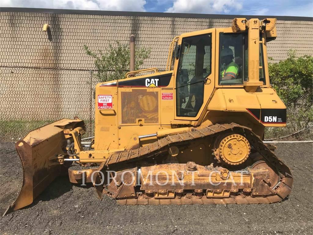 Caterpillar D5N, Bulldozers, Construcción