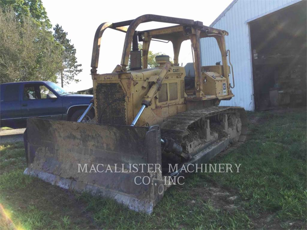 Caterpillar D6D, Dozers, Construction