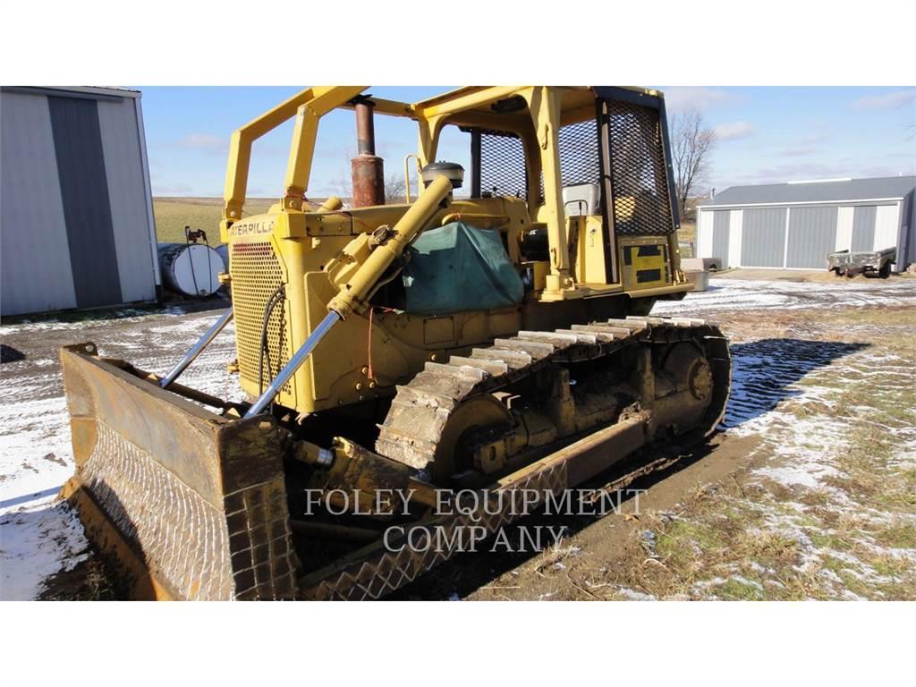 Caterpillar D6D, Dozers, Construction
