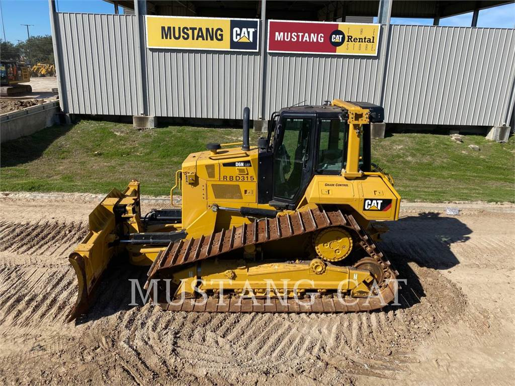 Caterpillar D6N LGP, Bulldozers, Construcción