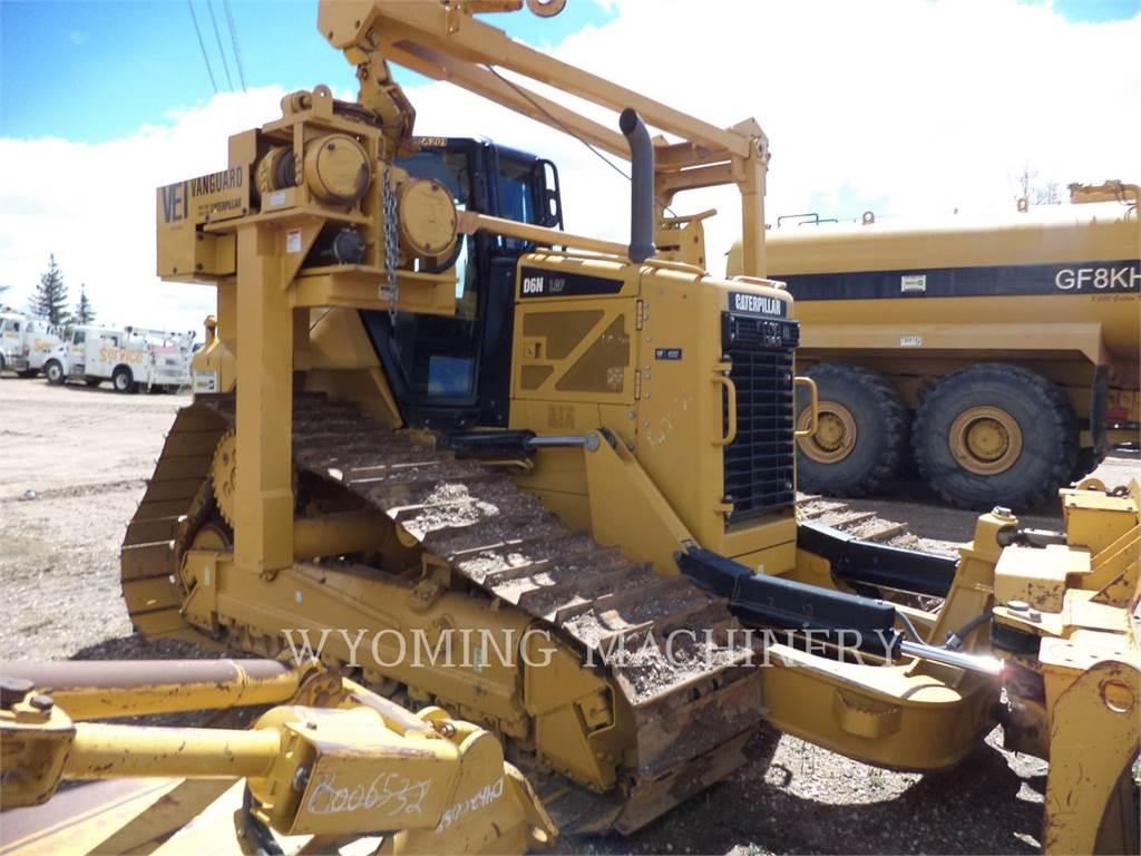 Caterpillar D6N LGP PL, dźwigi boczne do układania rur, Sprzęt budowlany
