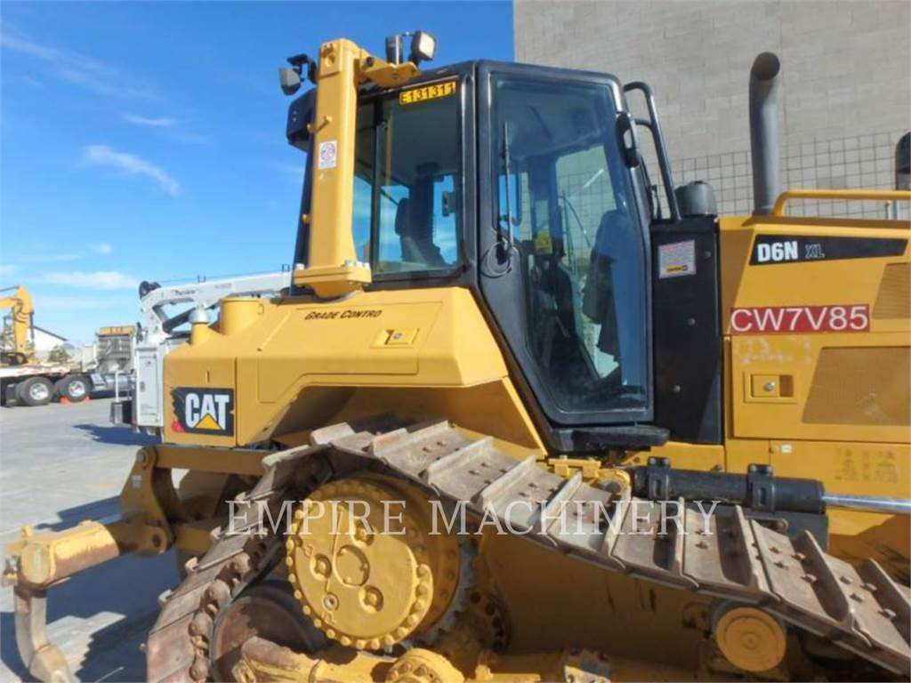 Caterpillar D6NXL、ブルドーザー、建設