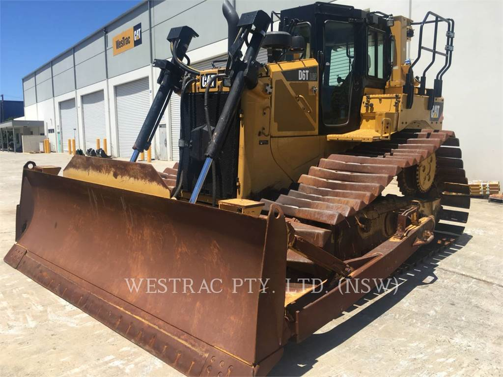 Caterpillar D6T, Dozers, Construction