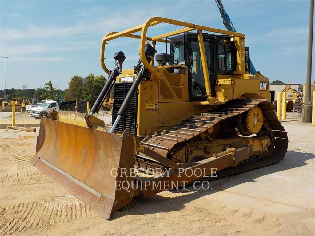Caterpillar D6T LGP, Buldozere, Constructii