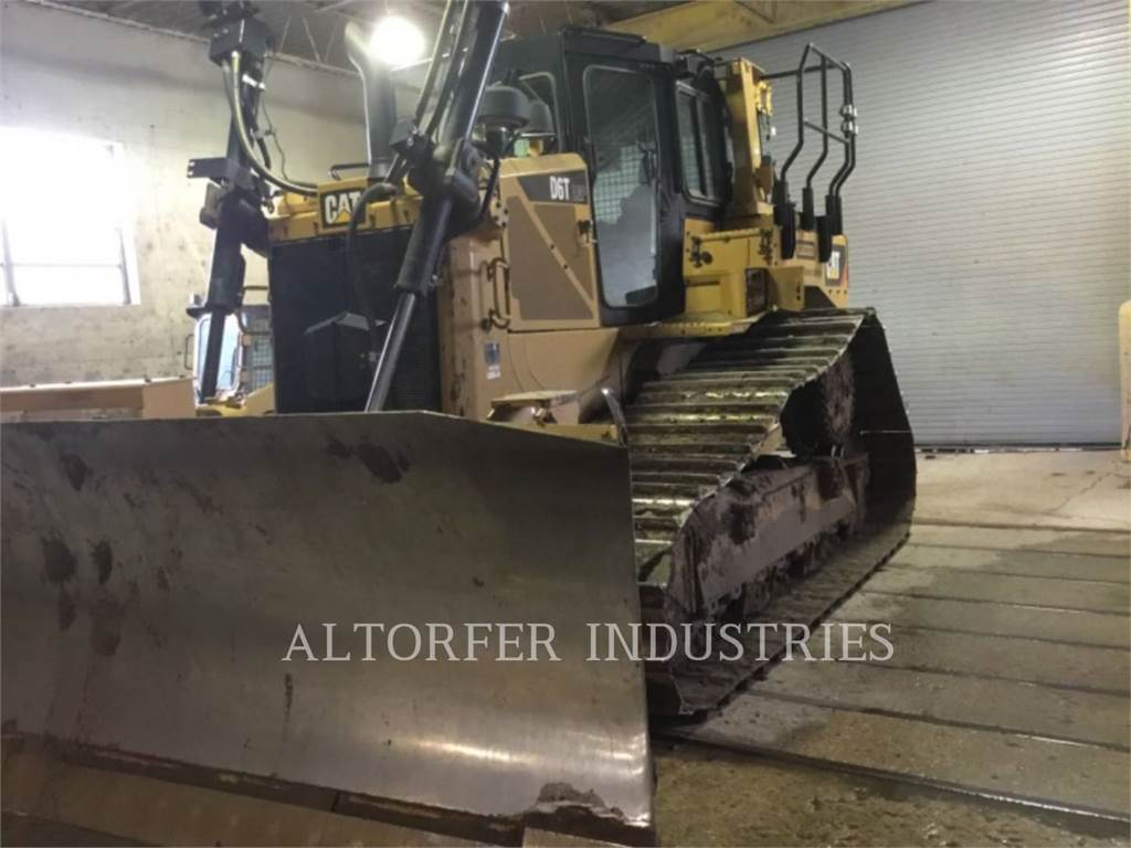Caterpillar D6T LGPPAT, Dozers, Construction