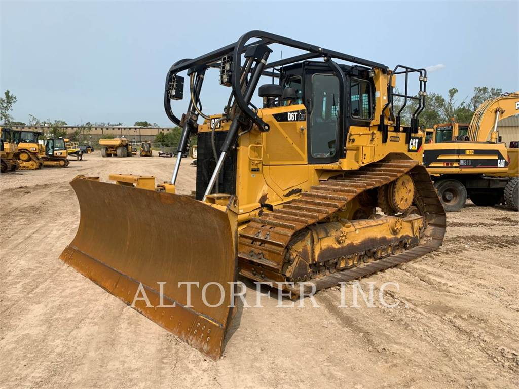 Caterpillar D6T LGPPAT、推土机、建筑设备