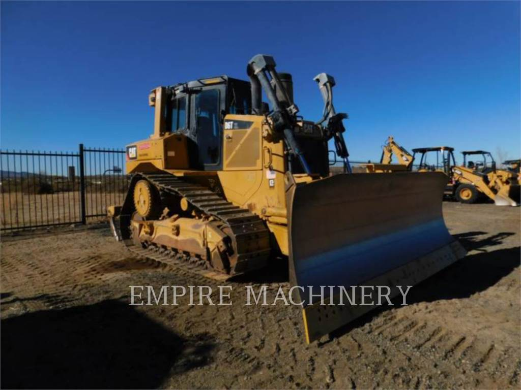 Caterpillar D6T PAT, Crawler dozers, Construction