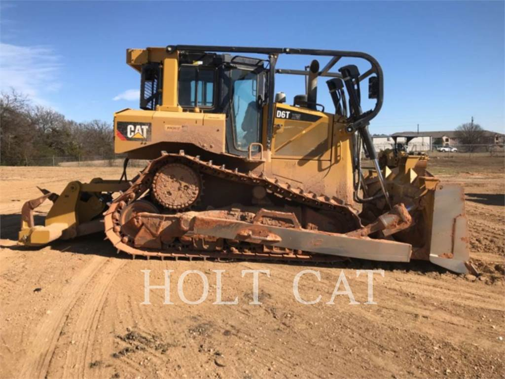 Caterpillar D6T XW, Crawler dozers, Construction
