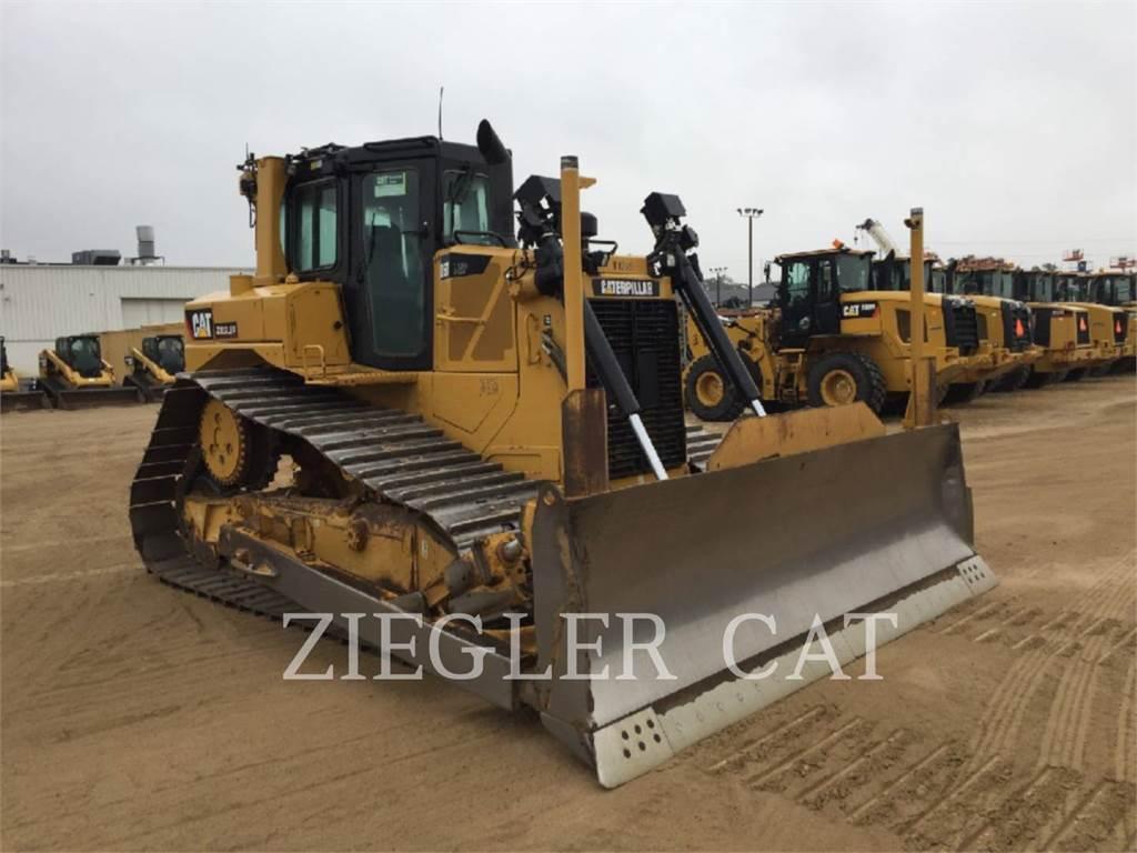 Caterpillar D6TLGP, Dozers, Construction