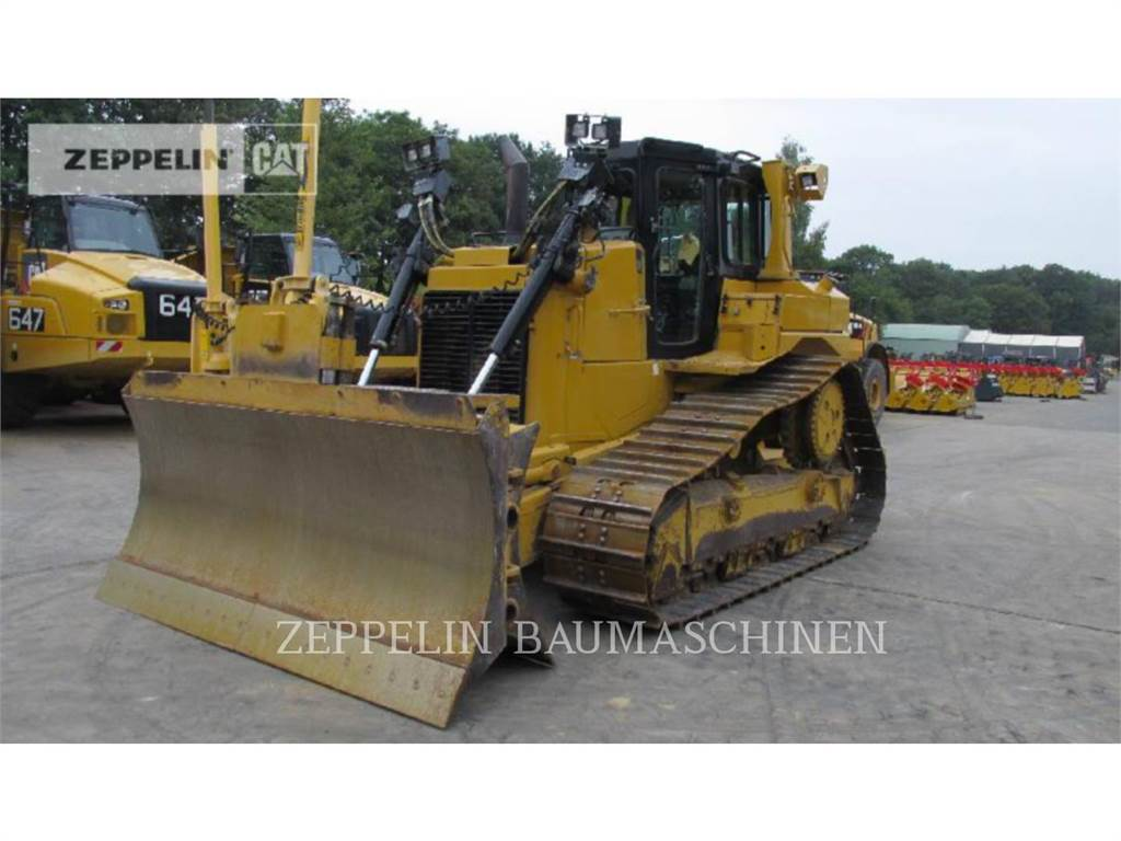 Caterpillar D6TM, Dozers, Construction