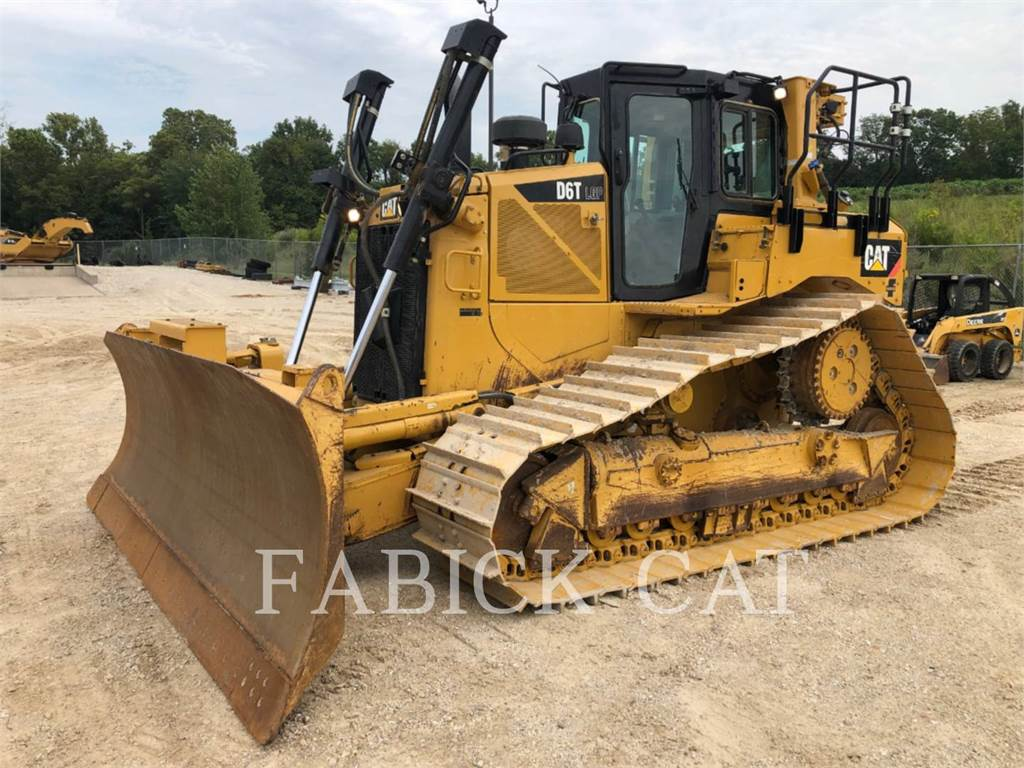 Caterpillar D6TVP, Bulldozers, Construcción