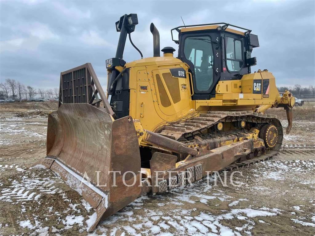 Caterpillar D7E R, Crawler dozers, Construction