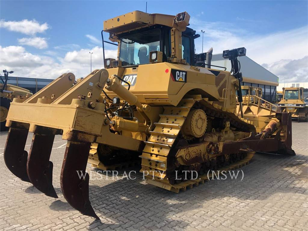 Caterpillar D8T, Dozers, Construction