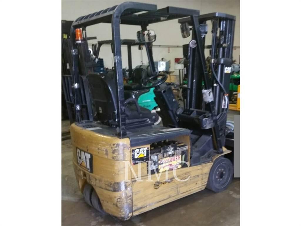 Caterpillar LIFT TRUCKS 2ET3000_MC, Electric Forklifts, Material Handling