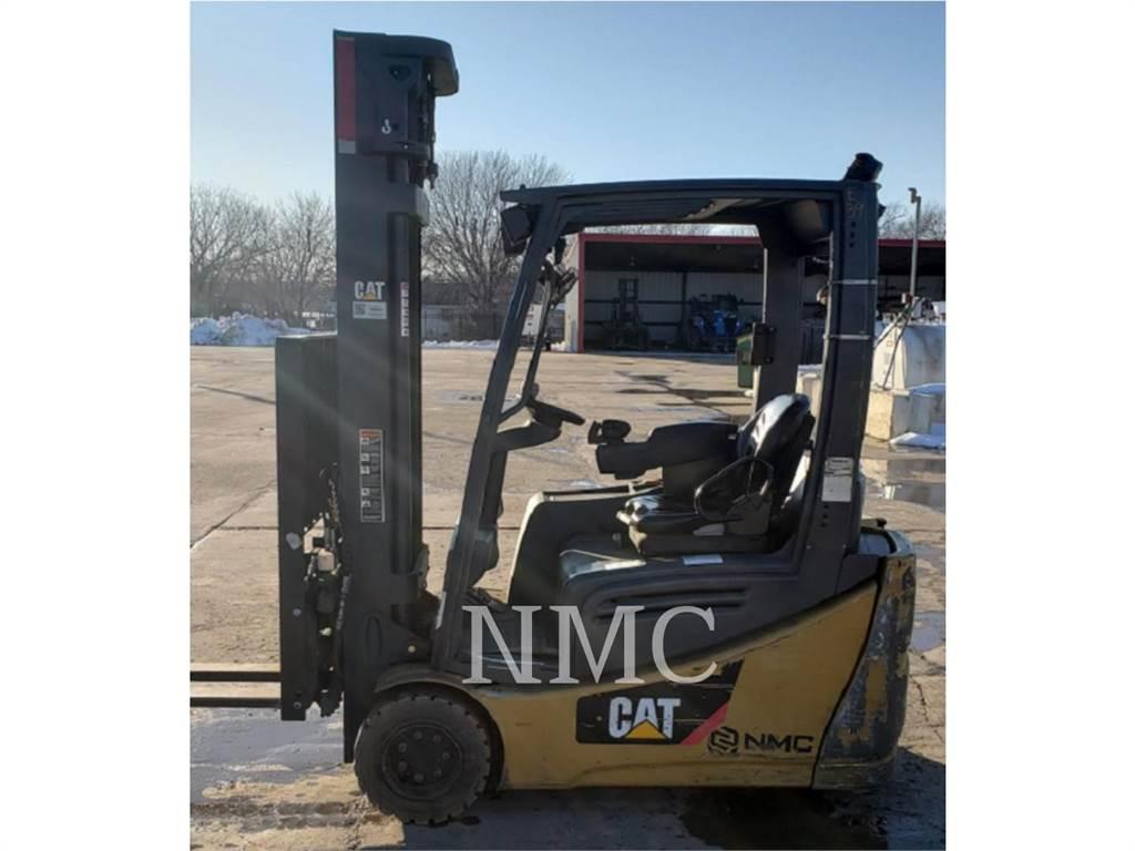 Caterpillar LIFT TRUCKS 2ET4000_MC, Electric Forklifts, Material Handling
