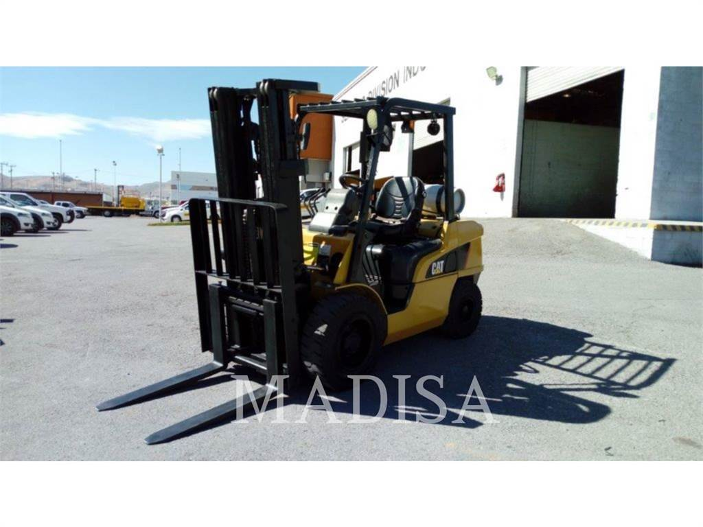 Caterpillar LIFT TRUCKS 2P7000, chariots à fourche, Manutention
