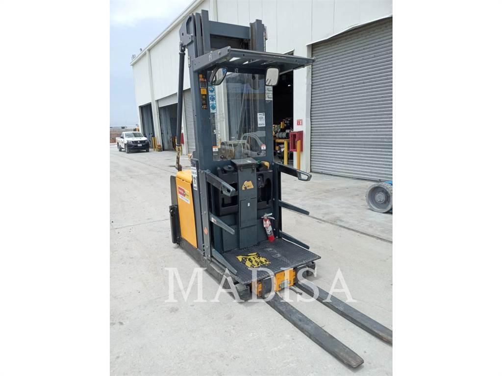 Caterpillar LIFT TRUCKS EKS308, Misc Forklifts, Material Handling
