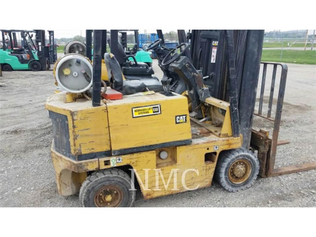 Caterpillar LIFT TRUCKS V35D, Misc Forklifts, Material Handling