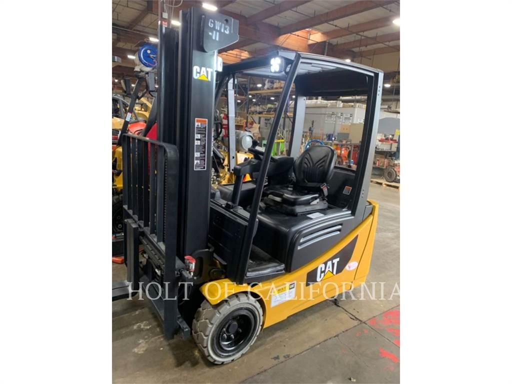 Caterpillar MITSUBISHI 2ET4000, Electric Forklifts, Material Handling